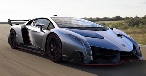2013-Lamborghini-Veneno-on-the-road-480